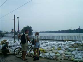 Fotos Vom Elbe Hochwasser In Dresden 2002